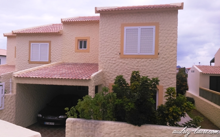 maison jaune typique porto santo