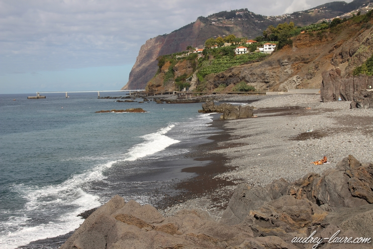 plage galets funchal madère