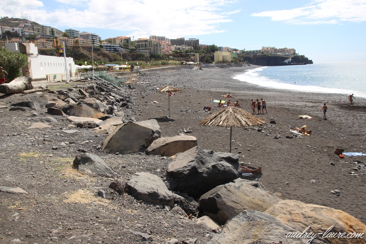 plage galets funchal madère payottes