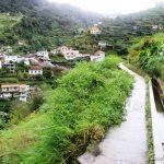 La levada dos Maroços sous la pluie : culture, nature, et tradition