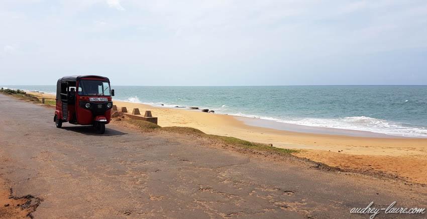 Plage de Chilax - Sri Lanka - Tuk-tuk !