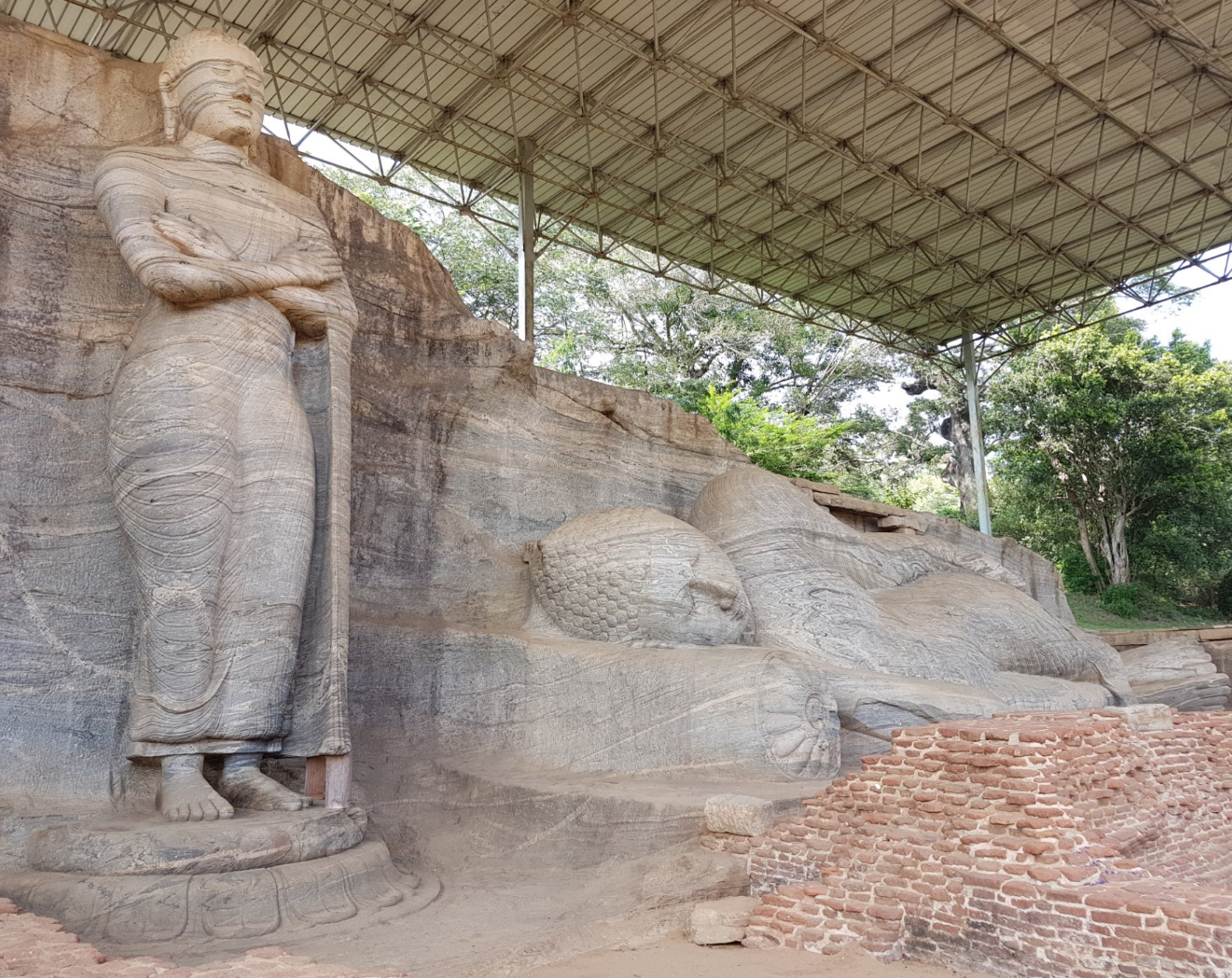 Bouddha debout - Gal Vihara, Polonnaruwa -voyage au Sri Lanka
