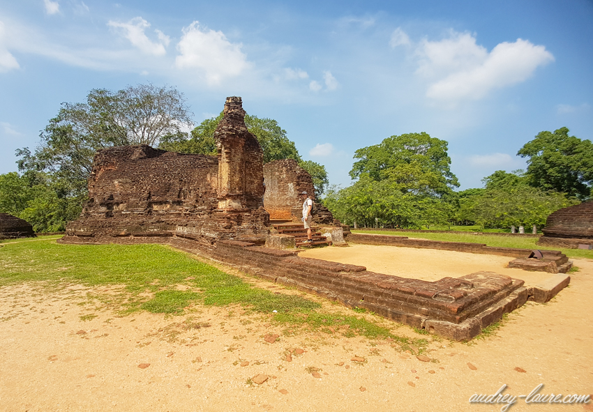 Polonnaruwa : la bibliothèque - poth gul vihara