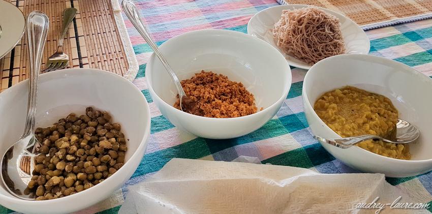 Sri Lanka - petit-déjeuner typiquement Sri Lankais