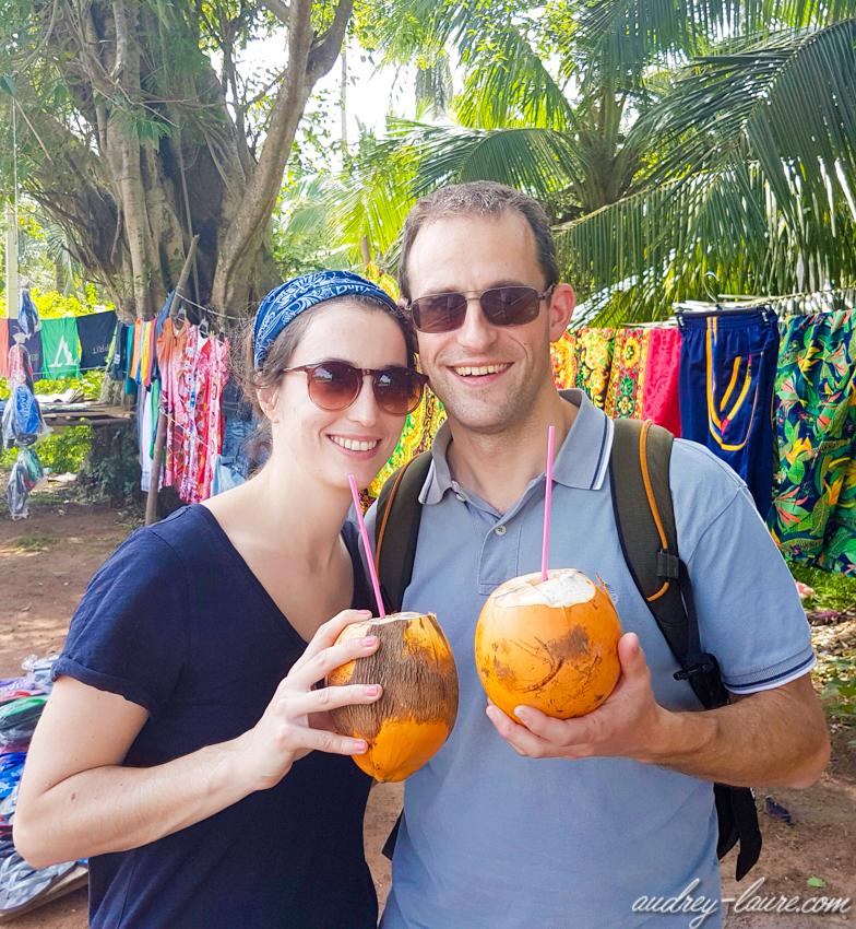 Gastronomie Sri Lankaise - voyage au Sri Lanka - jus de king coconut