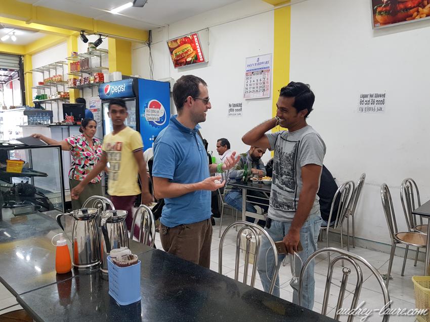 Gastronomie Sri Lankaise - voyage au Sri Lanka - lieu authentique -boui-boui