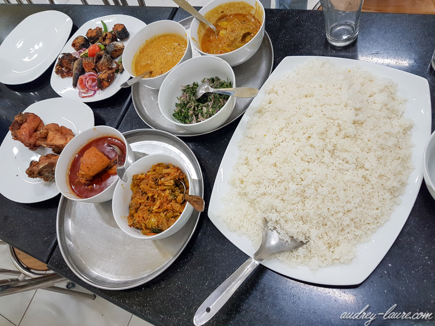 Gastronomie du Sri Lanka - plat typique - Rice & Curry