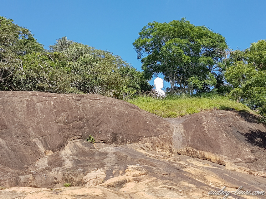 Mihintale - Sri Lanka - Bouddha blanc