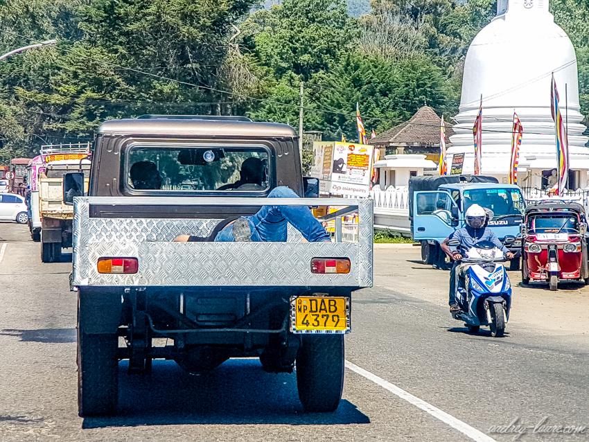 Sieste dans une remorque - voyage au Sri Lanka - Nuwara Eliya