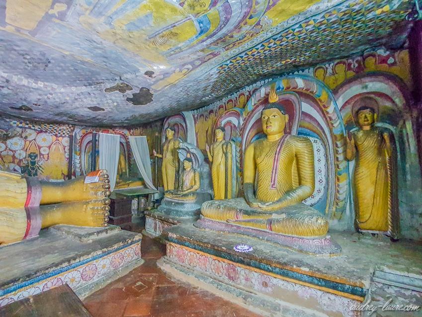 Temple-d'Or-de-Dambulla-Bouddha-doré