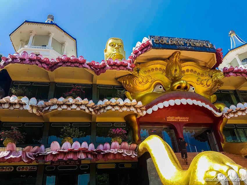 Temple-d'Or-de-Dambulla-Bouddha-doré - Golden temple - grottes troglodytes