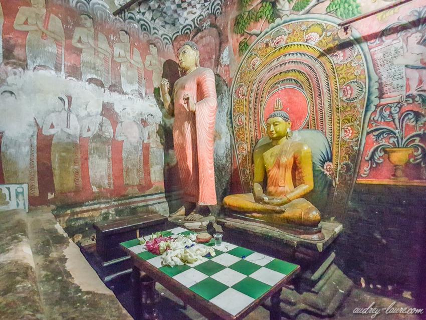Temple-d'Or-de-Dambulla-Bouddha-doré - Golden temple - grottes troglodytesé
