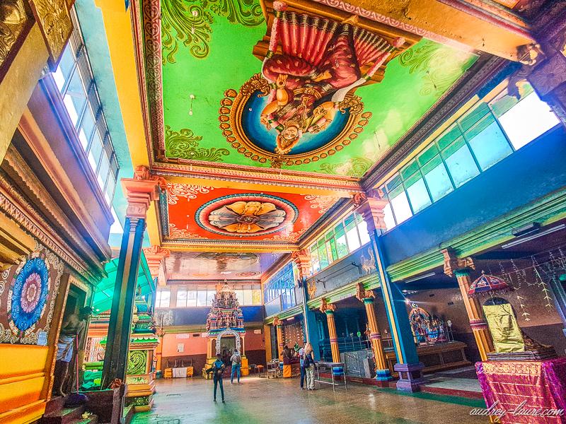 Intérieur du temple de Muthumariamman - hindouisme - religion
