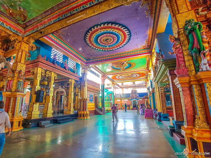 Muthumariamman-Temple- intérieur d'un temple hindou