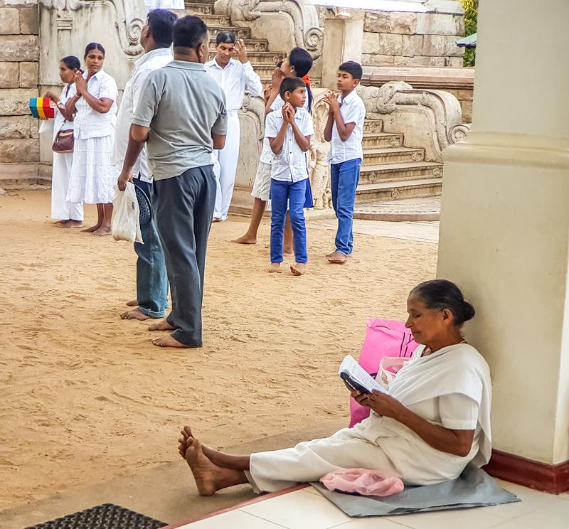 Anurâdhapura - offrandes